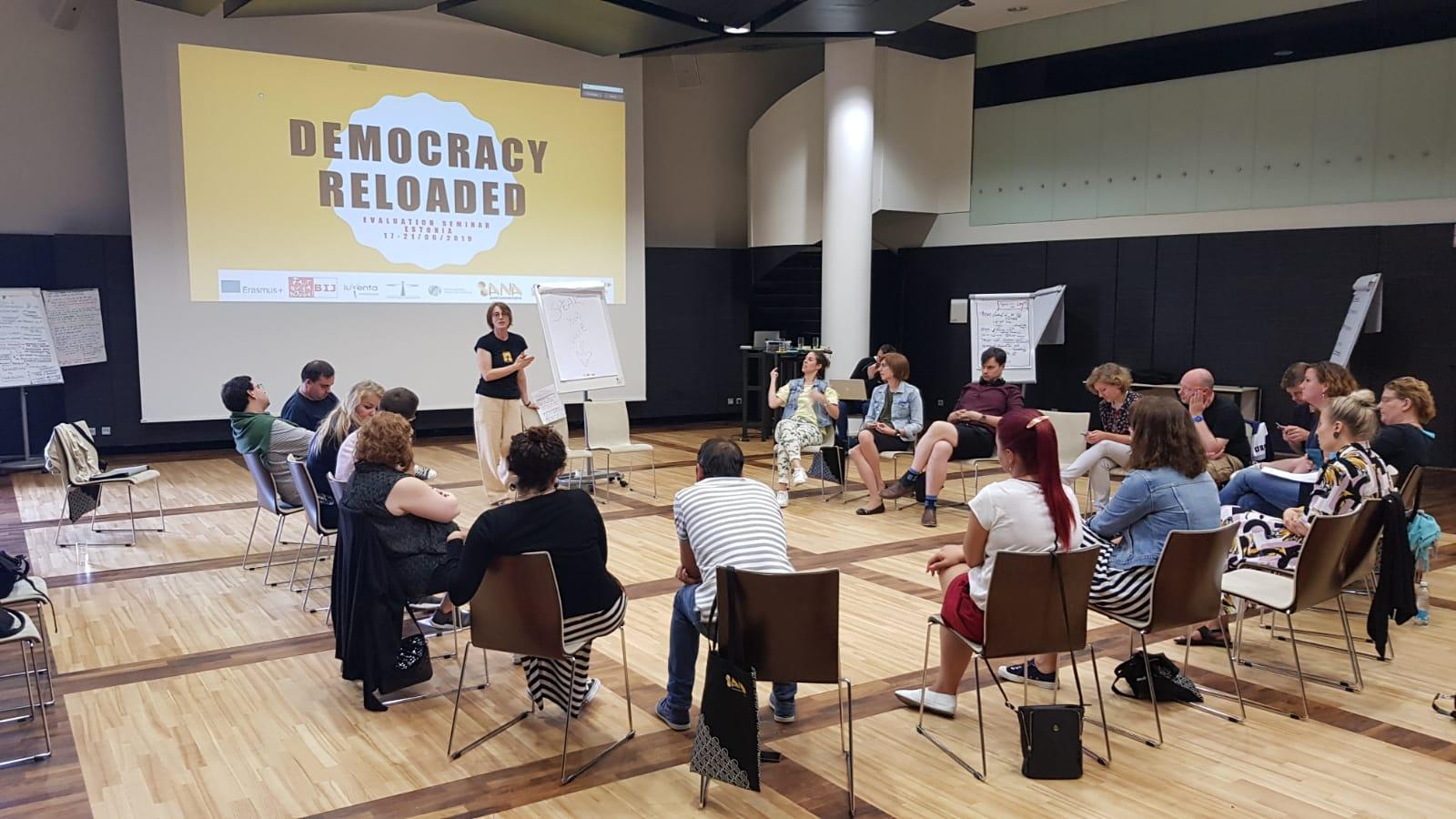 HDD na treningu Democracy reloaded